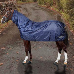https://www.tosoniselleriashop.com/it/coperta-k-way-impermeabile-horses-rainqu.html